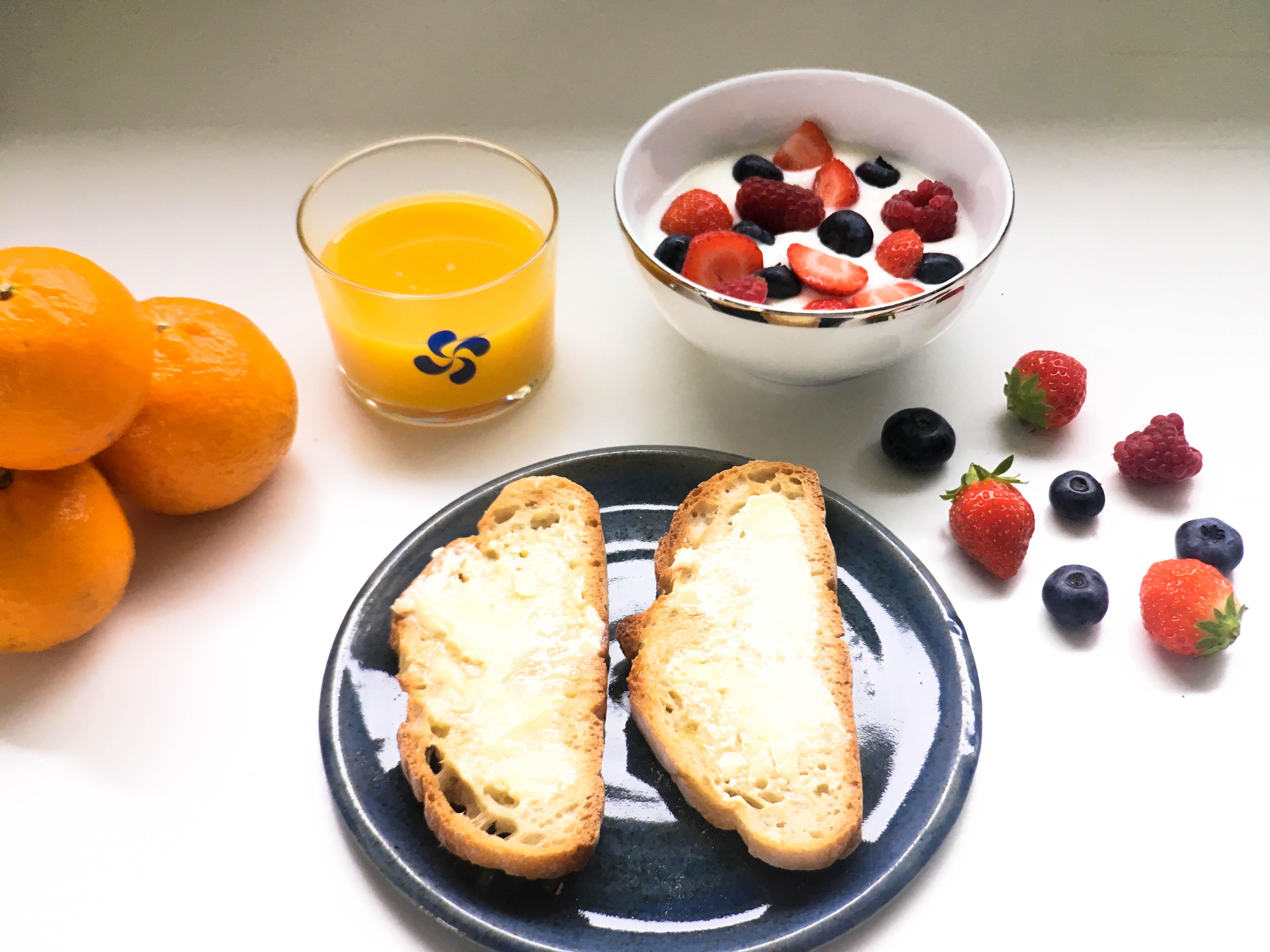 Petit déjeuner gourmand et fruité